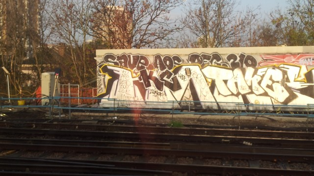 london train graffiti 2012 uk