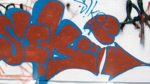graffiti%20-%20red%20and%20blue