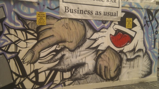 london-graffiti-art-oxford-street1