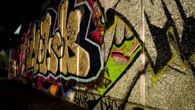 low-graffiti-1-752595